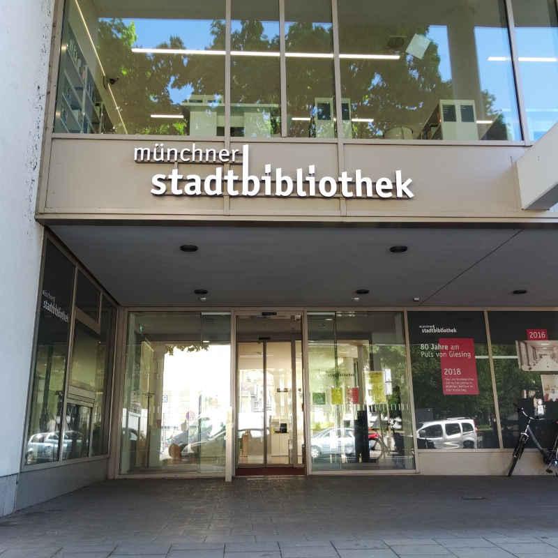 Bild vom Eingang zur Stadtbibliothek Giesing